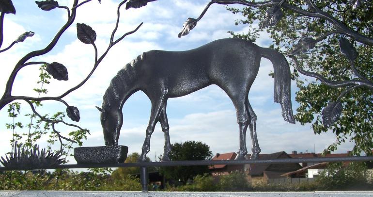 paard in smeedijzer